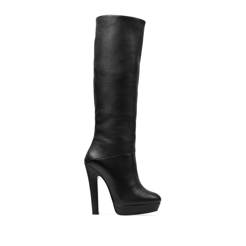 Сапоги из кожи черного цвета с мехом на устойчивом каблукеСапоги женские<br><br>Материал верха: Кожа<br>Материал подкладки: Мех<br>Материал подошвы: Кожа + Резина<br>Цвет: Черный<br>Высота каблука: 13 см<br>Дизайн: Италия<br>Страна производства: Китай<br><br>Высота каблука: 13 см<br>Материал верха: Кожа<br>Материал подкладки: Мех<br>Цвет: Черный<br>Пол: Женский<br>Вес кг: 2.36000000<br>Размер: 37.5