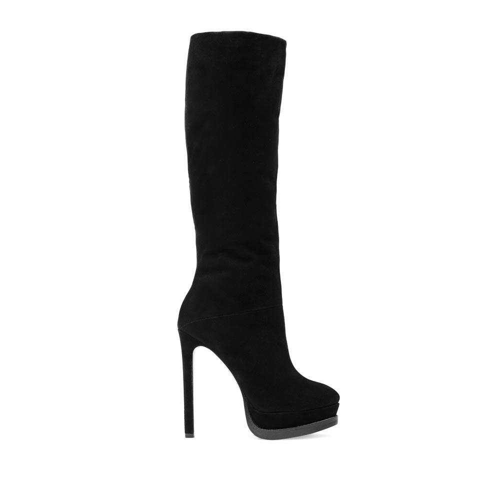 Замшевые сапоги черного цвета с мехом на высоком каблукеСапоги женские<br><br>Материал верха: Замша<br>Материал подкладки: Мех<br>Материал подошвы: Кожа + Резина<br>Цвет: Черный<br>Высота каблука: 13 см<br>Дизайн: Италия<br>Страна производства: Китай<br><br>Высота каблука: 13 см<br>Материал верха: Замша<br>Материал подкладки: Мех<br>Цвет: Черный<br>Пол: Женский<br>Вес кг: 2.00000000<br>Размер: 39