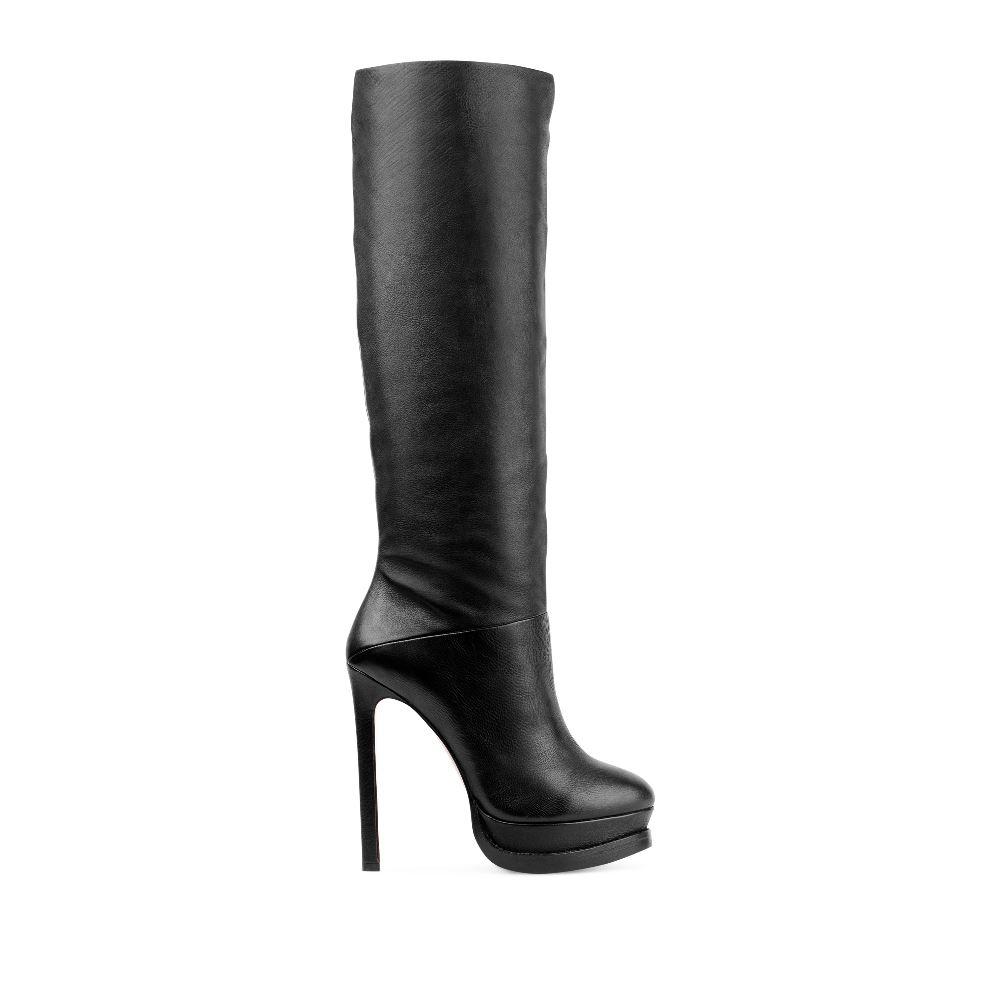 Кожаные сапоги черного цвета на платформе и высоком каблукеСапоги женские<br><br>Материал верха: Кожа<br>Материал подкладки: Текстиль<br>Материал подошвы: Полиуретан<br>Цвет: Черный<br>Высота каблука: 13 см<br>Дизайн: Италия<br>Страна производства: Китай<br><br>Высота каблука: 13 см<br>Материал верха: Кожа<br>Материал подошвы: Полиуретан<br>Материал подкладки: Текстиль<br>Цвет: Черный<br>Вес кг: 1.00000000<br>Размер: 38.5