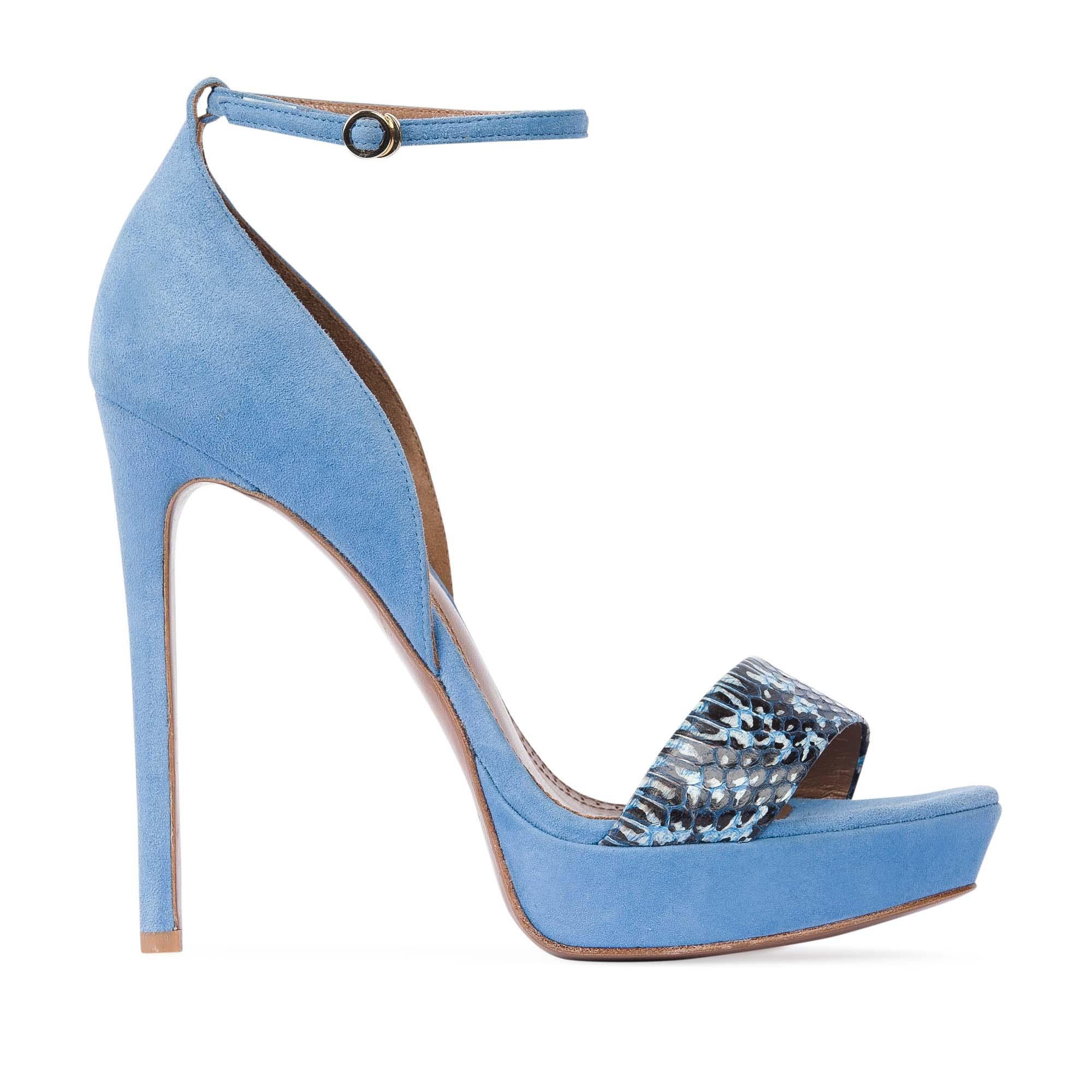 Замшевые босоножки небесно-голубого цвета с вставкой из змеиной кожиТуфли женские<br><br>Материал верха: Замша<br>Материал подкладки: Кожа<br>Материал подошвы: Кожа<br>Цвет: Голубой<br>Высота каблука: 13 см<br>Дизайн: Италия<br>Страна производства: Китай<br><br>Высота каблука: 13 см<br>Материал верха: Замша<br>Материал подкладки: Кожа<br>Цвет: Голубой<br>Вес кг: 0.53600000<br>Размер: 40**
