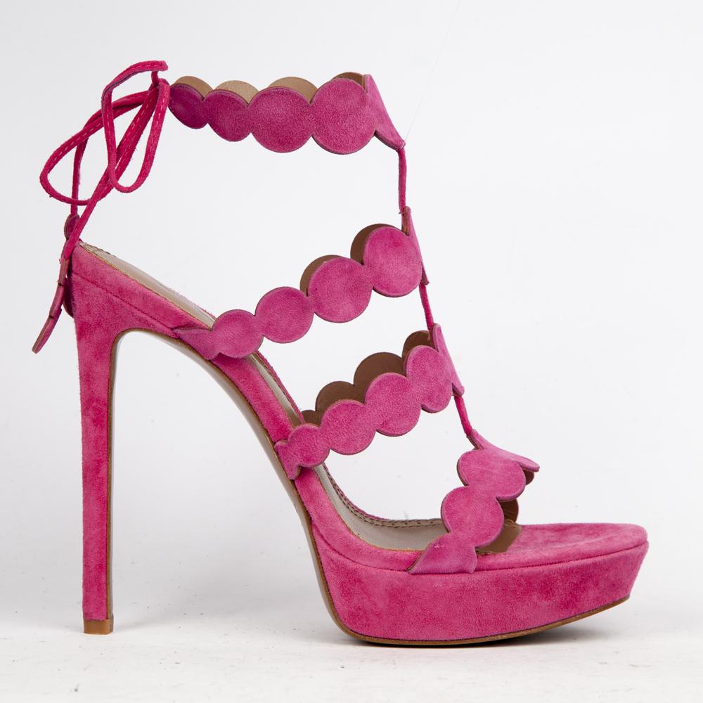 Босоножки из замши розового цвета на высоком каблукеТуфли ремешковые<br><br>Материал верха: Замша<br>Материал подкладки: Кожа<br>Материал подошвы: Кожа<br>Цвет: Розовый<br>Высота каблука: 13 см<br>Дизайн: Италия<br>Страна производства: Китай<br><br>Высота каблука: 13 см<br>Материал верха: Замша<br>Материал подкладки: Кожа<br>Цвет: Розовый<br>Пол: Женский<br>Вес кг: 470.00000000<br>Размер: 38