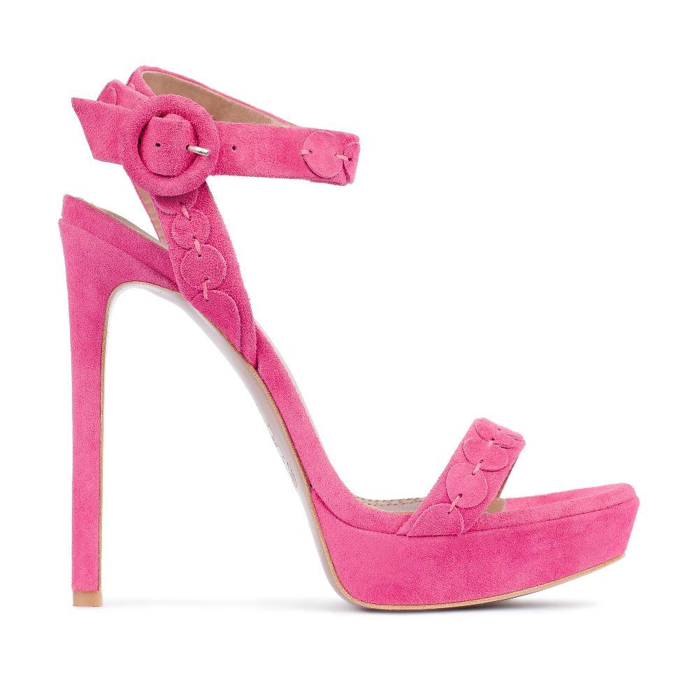 Замшевые босоножки розового цвета с ремешкомТуфли женские<br><br>Материал верха: Замша<br>Материал подкладки: Кожа<br>Материал подошвы:Кожа<br>Цвет: Розовый<br>Высота каблука: 12 см<br>Дизайн: Италия<br>Страна производства: Китай<br><br>Высота каблука: 12 см<br>Материал верха: Замша<br>Материал подошвы: Кожа<br>Материал подкладки: Кожа<br>Цвет: Розовый<br>Вес кг: 1.00000000<br>Размер: 37