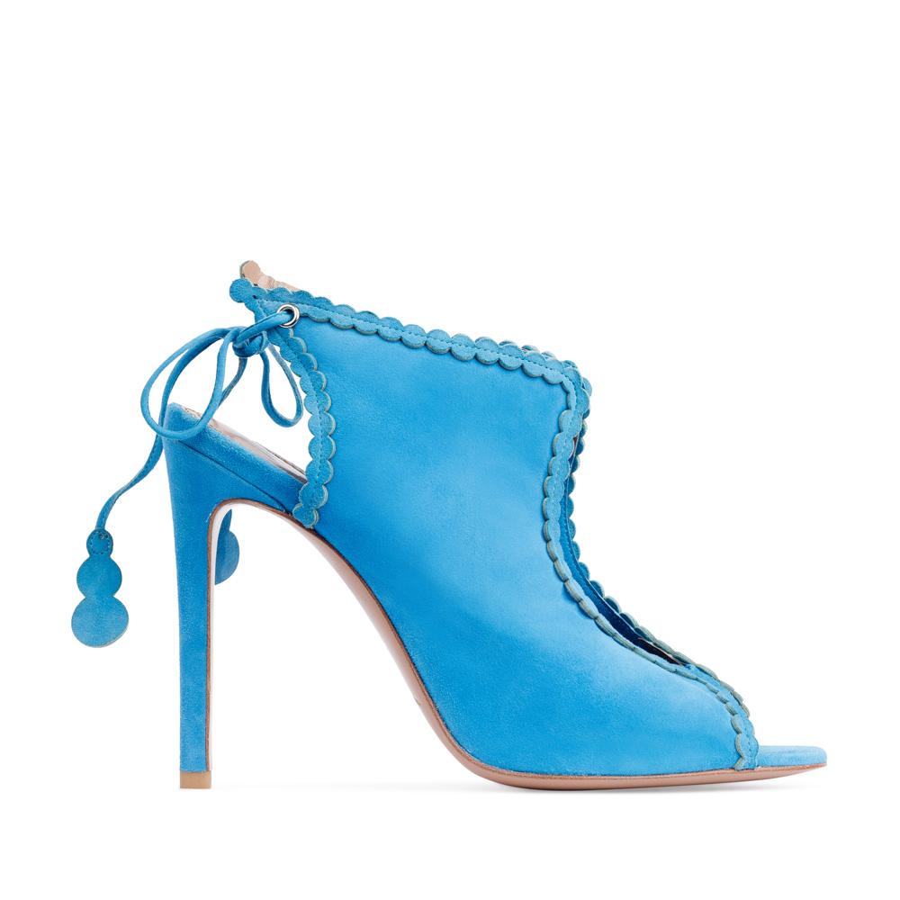 Босоножки из замши голубого цвета на завязкахТуфли женские<br><br>Материал верха: Замша<br>Материал подкладки: Без подкладки<br>Материал подошвы: Кожа<br>Цвет: Голубой<br>Высота каблука: 10 см<br>Дизайн: Италия<br>Страна производства: Китай<br><br>Высота каблука: 10 см<br>Материал верха: Замша<br>Материал подошвы: Кожа<br>Цвет: Голубой<br>Вес кг: 1.00000000<br>Размер: 39