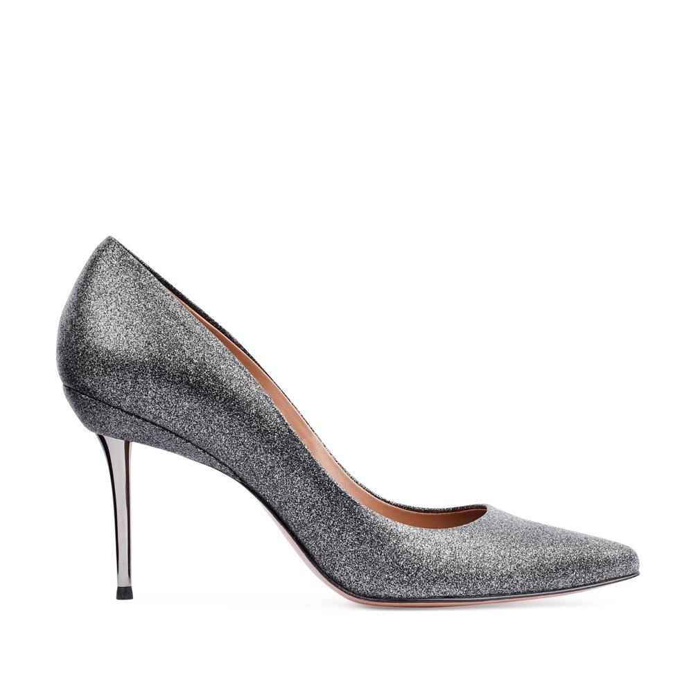 Туфли-лодочки из кожи серебристого цвета на металлическом каблукеТуфли женские<br><br>Материал верха: Кожа<br>Материал подкладки: Кожа<br>Материал подошвы: Кожа<br>Цвет: Серебристый<br>Высота каблука: 8 см<br>Дизайн: Италия<br>Страна производства: Китай<br><br>Высота каблука: 8 см<br>Материал верха: Кожа<br>Материал подкладки: Кожа<br>Цвет: Серебристый<br>Вес кг: 0.48000000<br>Размер: 36.5