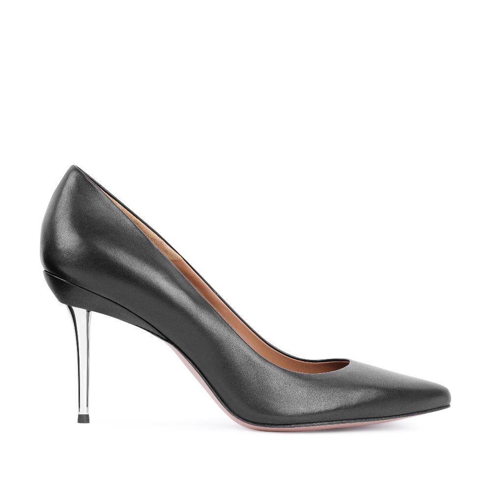 Туфли черного цвета из кожи на металлическом каблукеТуфли<br><br>Материал верха: Кожа<br>Материал подкладки: Кожа<br>Материал подошвы: Кожа<br>Цвет: Черный<br>Высота каблука: 8см<br>Дизайн: Италия<br>Страна производства: Китай<br><br>Высота каблука: 8 см<br>Материал верха: Кожа<br>Материал подкладки: Кожа<br>Цвет: Черный<br>Пол: Женский<br>Вес кг: 490.00000000<br>Размер: 39