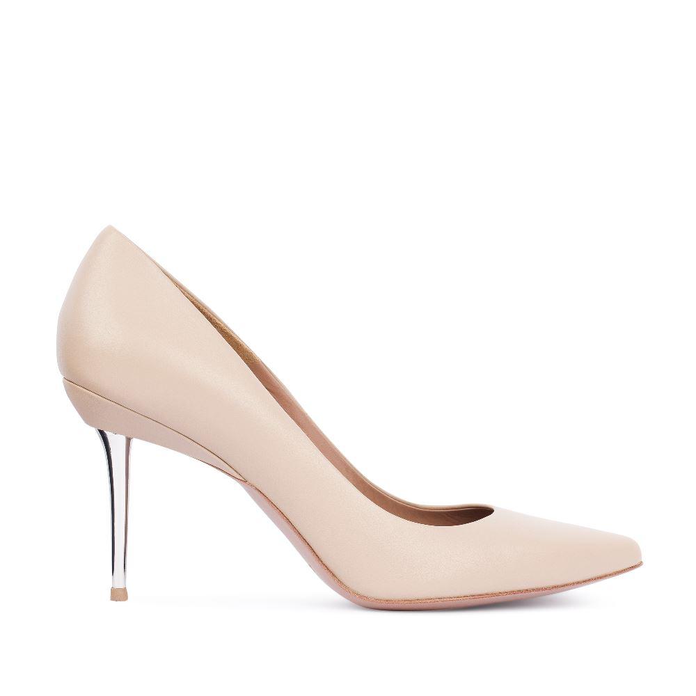 Туфли бежевого цвета из кожи на металлическом каблуке