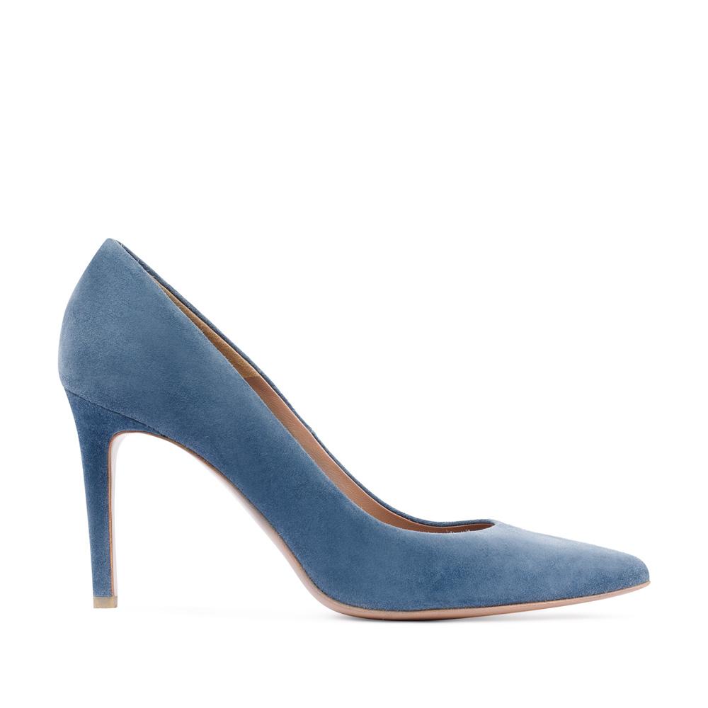 Туфли-лодочки из замши голубого цвета на среднем каблуке