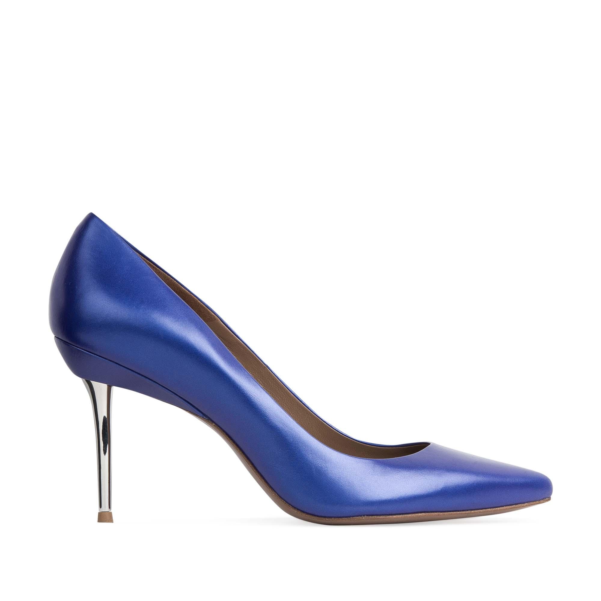 Кожаные туфли-лодочки ультрамаринового цвета на металлическом каблуке