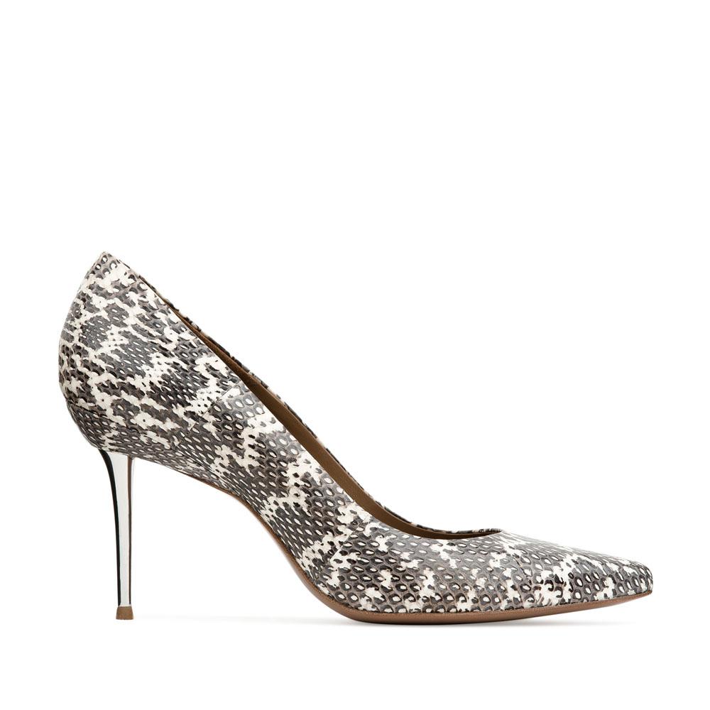 Туфли из кожи змеи на металлическом каблукеТуфли женские<br><br>Материал верха: Кожа змеи<br>Материал подкладки: Кожа<br>Материал подошвы: Кожа<br>Цвет: Черный<br>Высота каблука: 9см<br>Дизайн: Италия<br>Страна производства: Китай<br><br>Высота каблука: 9 см<br>Материал верха: Кожа змеи<br>Материал подошвы: Кожа<br>Материал подкладки: Кожа<br>Цвет: Черный<br>Пол: Женский<br>Вес кг: 0.40000000<br>Размер обуви: 40