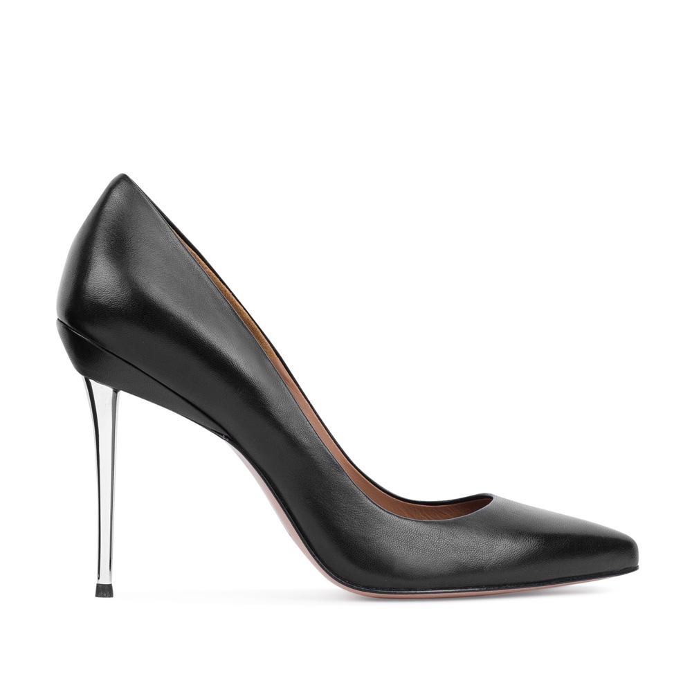 Туфли-лодочки из кожи черного цвета на металлическом каблуке
