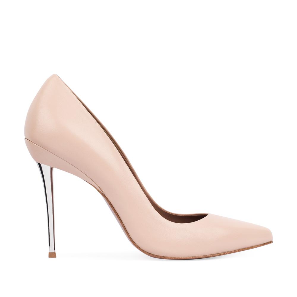 Туфли-лодочки из кожи бежевого цвета на металлическом каблуке