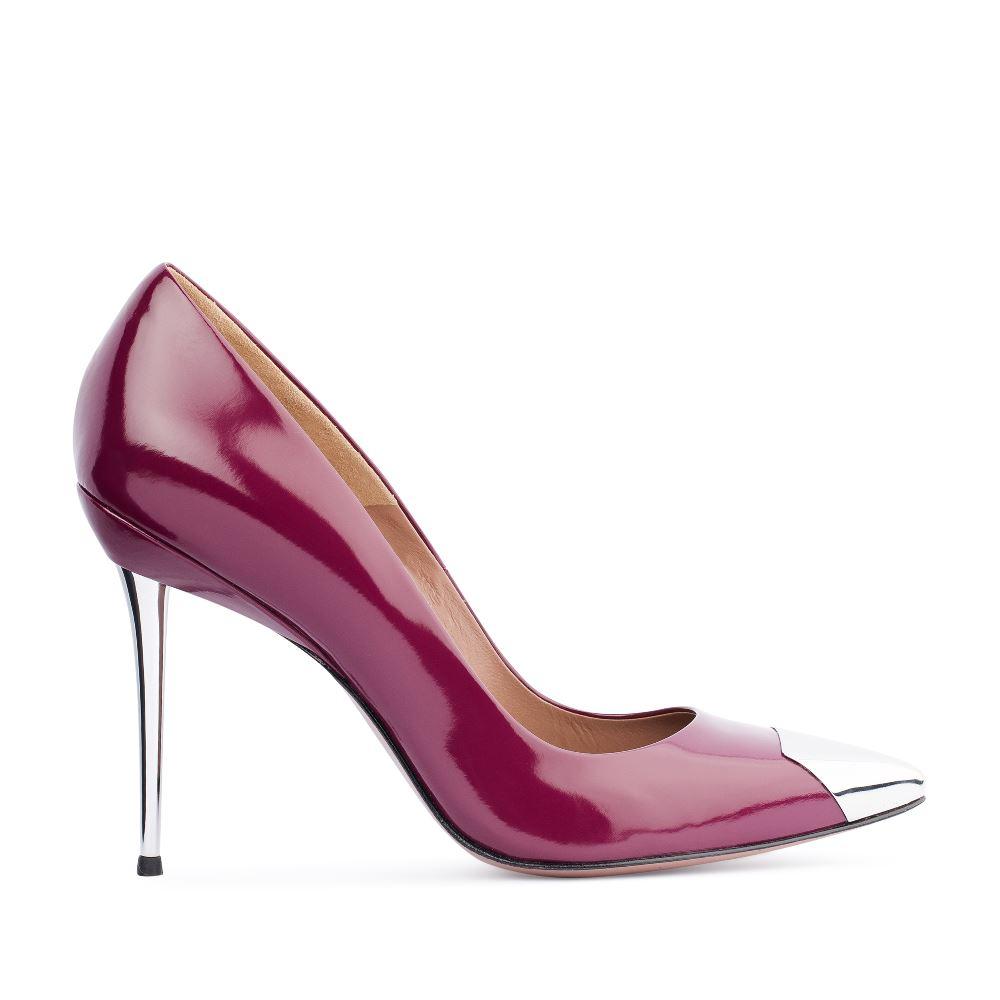 Туфли из лакированной кожи на металлическом каблукеТуфли<br><br>Материал верха: Лакированная кожа<br>Материал подкладки: Кожа<br>Материал подошвы: Кожа<br>Цвет: Бордовый<br>Высота каблука: 11 см<br>Дизайн: Италия<br>Страна производства: Китай<br><br>Высота каблука: 11 см<br>Материал верха: Лакированная кожа<br>Материал подкладки: Кожа<br>Цвет: Бордовый<br>Пол: Женский<br>Вес кг: 520.00000000<br>Размер: 40