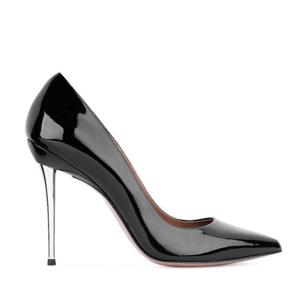 Туфли-лодочки из лакированной кожи чёрного цвета на металлической шпилькеТуфли женские<br><br>Материал верха: Лакированная кожа<br>Материал подкладки: Кожа<br>Материал подошвы: Кожа<br>Цвет: Черный<br>Высота каблука: 10 см<br>Дизайн: Италия<br>Страна производства: Китай<br><br>Высота каблука: 10 см<br>Материал верха: Лакированная кожа<br>Материал подкладки: Кожа<br>Цвет: Черный<br>Пол: Женский<br>Вес кг: 480.00000000<br>Размер: 38