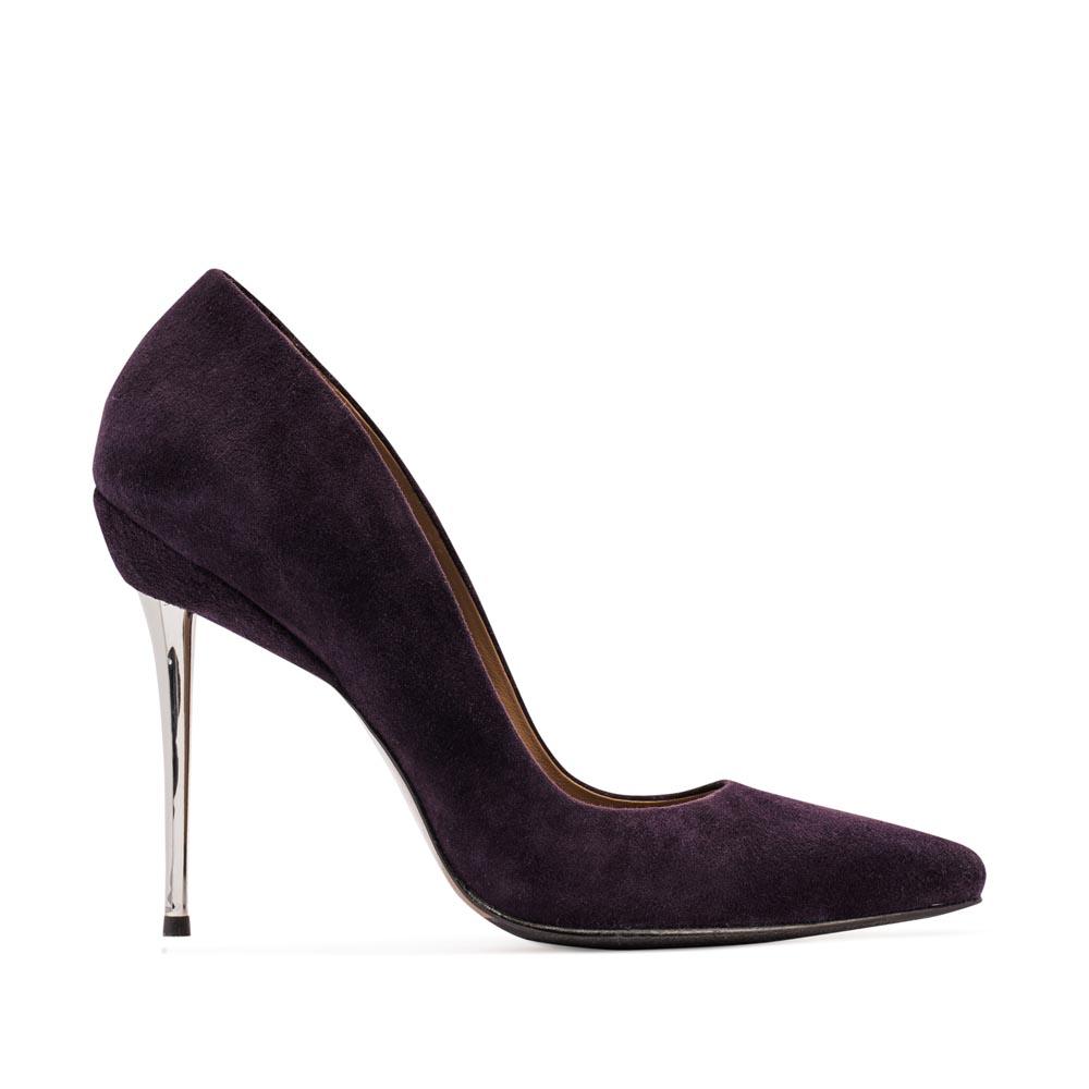 Замшевые туфли-лодочки аметистового цвета на металлическом каблуке