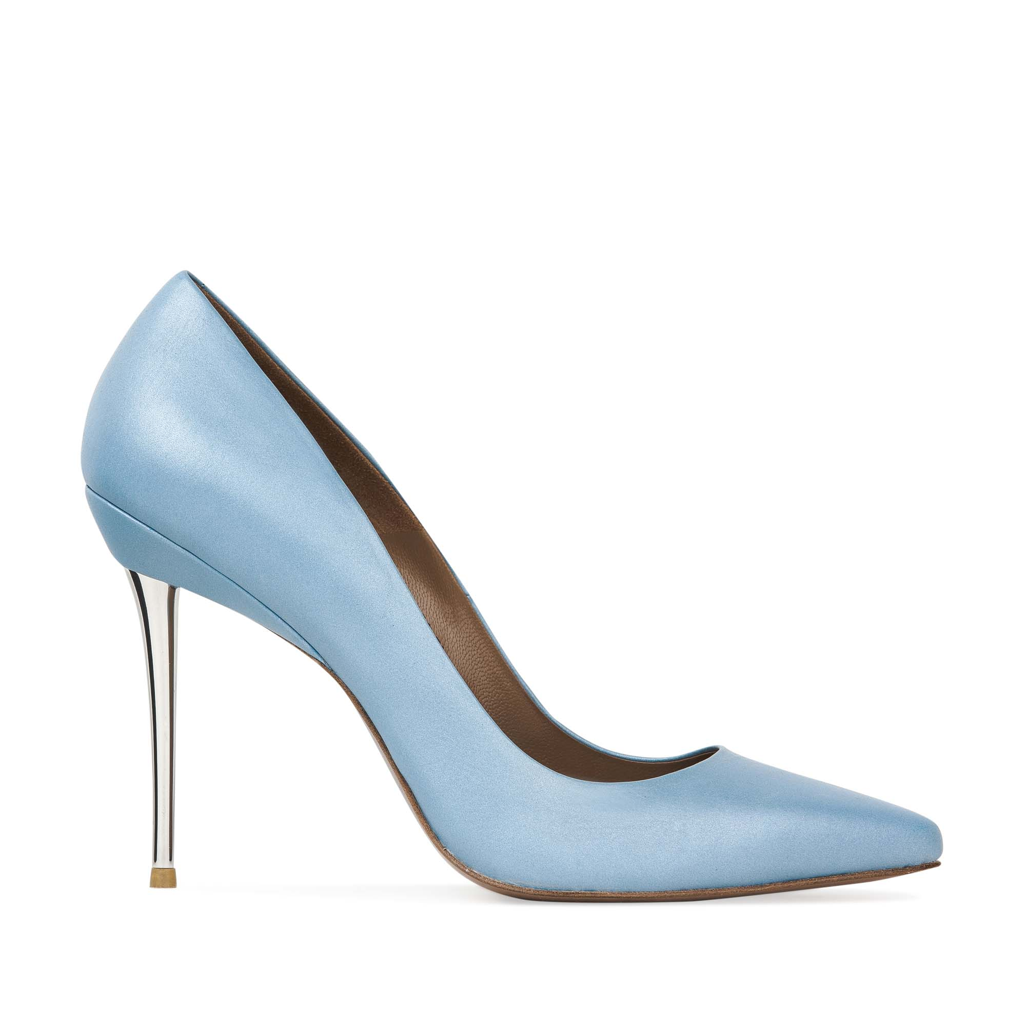 Кожаные туфли-лодочки небесно-голубого цвета на металлическом каблуке