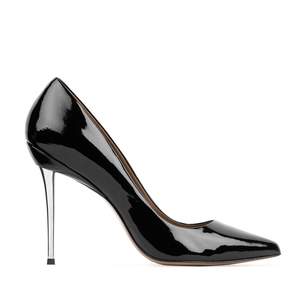 Туфли-лодочки из лакированной кожи черного цвета на металлическом каблуке