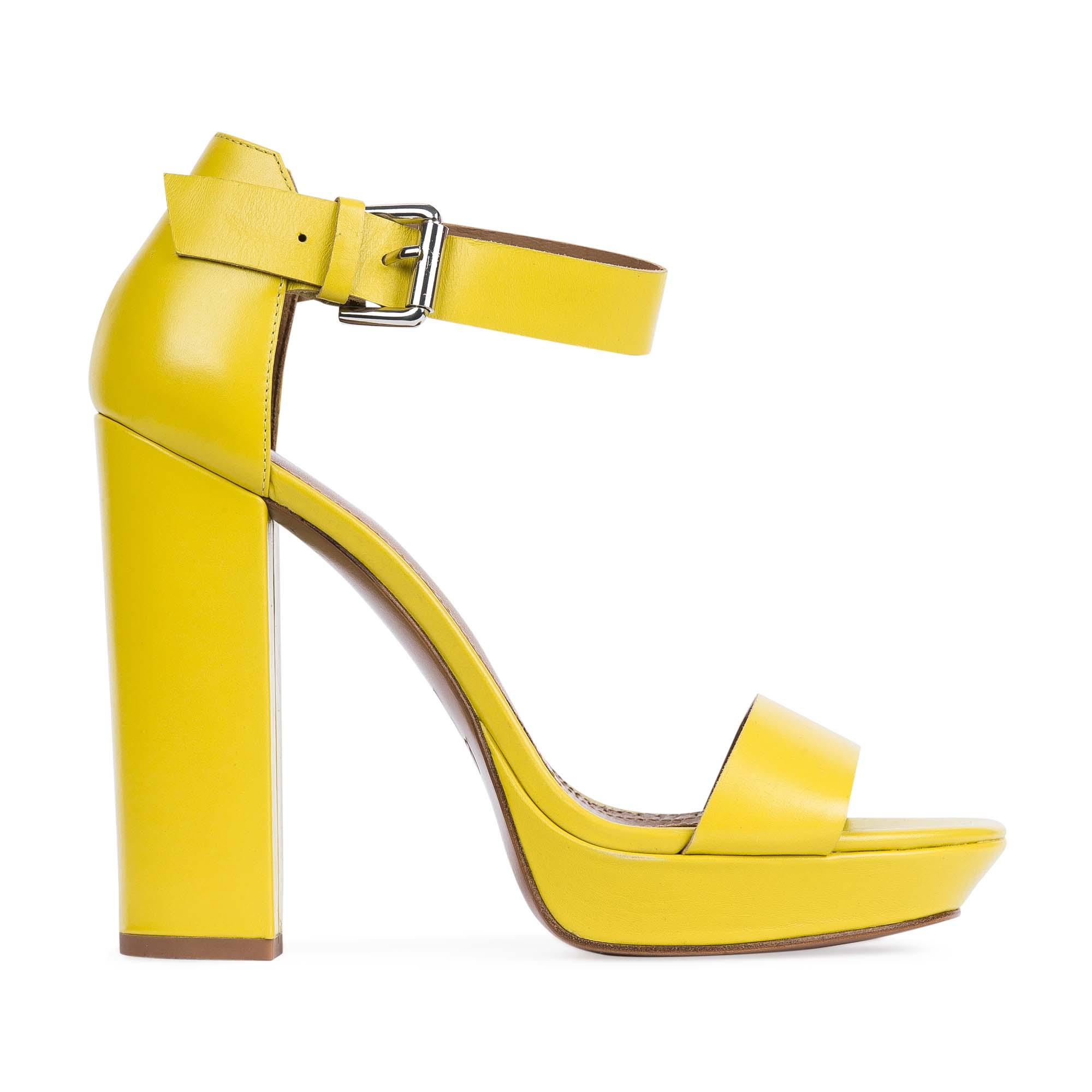 Босоножки на высоком каблуке канареечного цветаТуфли женские<br><br>Материал верха: Кожа<br>Материал подкладки: Кожа<br>Материал подошвы: Кожа<br>Цвет: Желтый<br>Высота каблука: 14 см<br>Дизайн: Италия<br>Страна производства: Китай<br><br>Высота каблука: 14 см<br>Материал верха: Кожа<br>Материал подкладки: Кожа<br>Цвет: Желтый<br>Вес кг: 0.69000000<br>Размер: 39