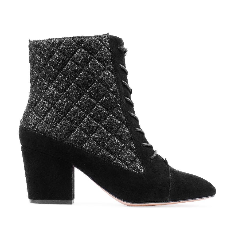Ботинки из замши и букле черного цвета на среднем каблукеПолусапоги женские<br><br>Материал верха: Замша<br>Материал подкладки: Текстиль<br>Материал подошвы: Кожа<br>Цвет: Черный<br>Высота каблука: 6 см<br>Дизайн: Италия<br>Страна производства: Китай<br><br>Высота каблука: 6 см<br>Материал верха: Замша<br>Материал подошвы: Кожа<br>Материал подкладки: Текстиль<br>Цвет: Черный<br>Вес кг: 1.00000000<br>Размер обуви: 37.5