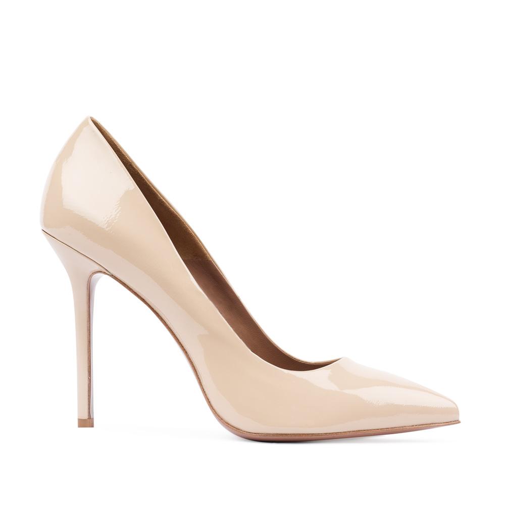 Туфли-лодочки из лакированной кожи бежевого цвета