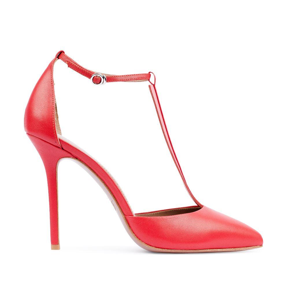 Туфли из кожи красного цвета с ремешком на высоком каблуке
