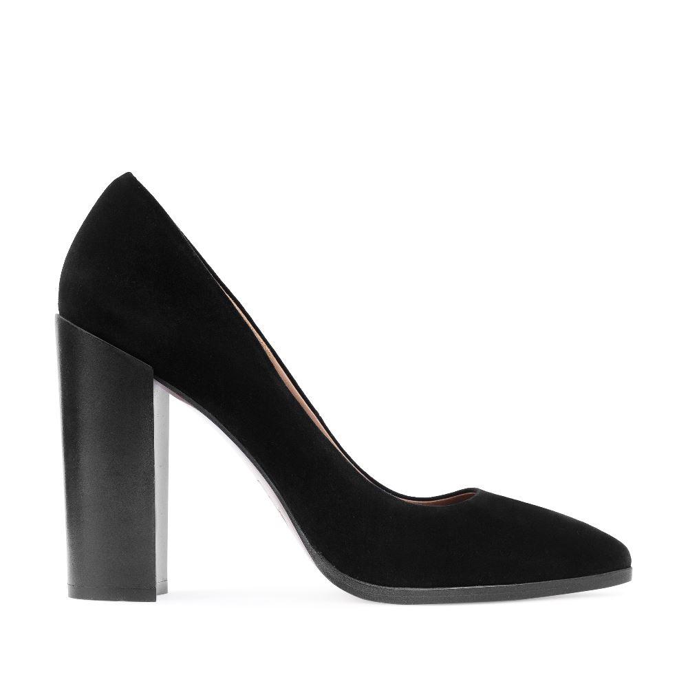 Туфли из замши черного цвета на устойчивом каблуке