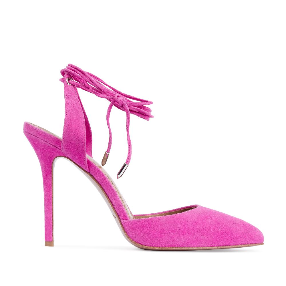 Босоножки из замши розового цвета на завязках