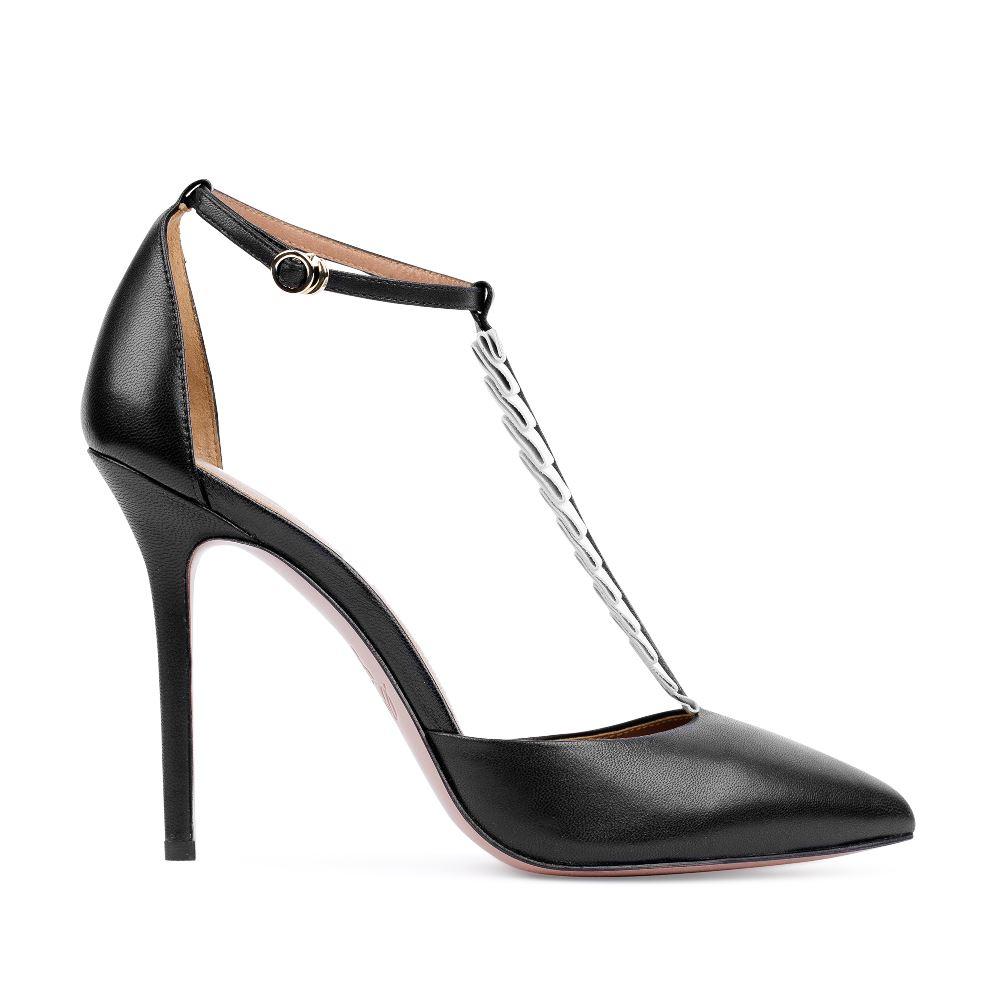 Туфли из кожи черного цвета с декоративными оборкамиТуфли женские<br><br>Материал верха: Кожа<br>Материал подкладки: Кожа<br>Материал подошвы:Кожа<br>Цвет: Черный<br>Высота каблука: 10 см<br>Дизайн: Италия<br>Страна производства: Китай<br><br>Высота каблука: 10 см<br>Материал верха: Кожа<br>Материал подошвы: Кожа<br>Материал подкладки: Кожа<br>Цвет: Черный<br>Вес кг: 1.00000000<br>Размер обуви: 37.5