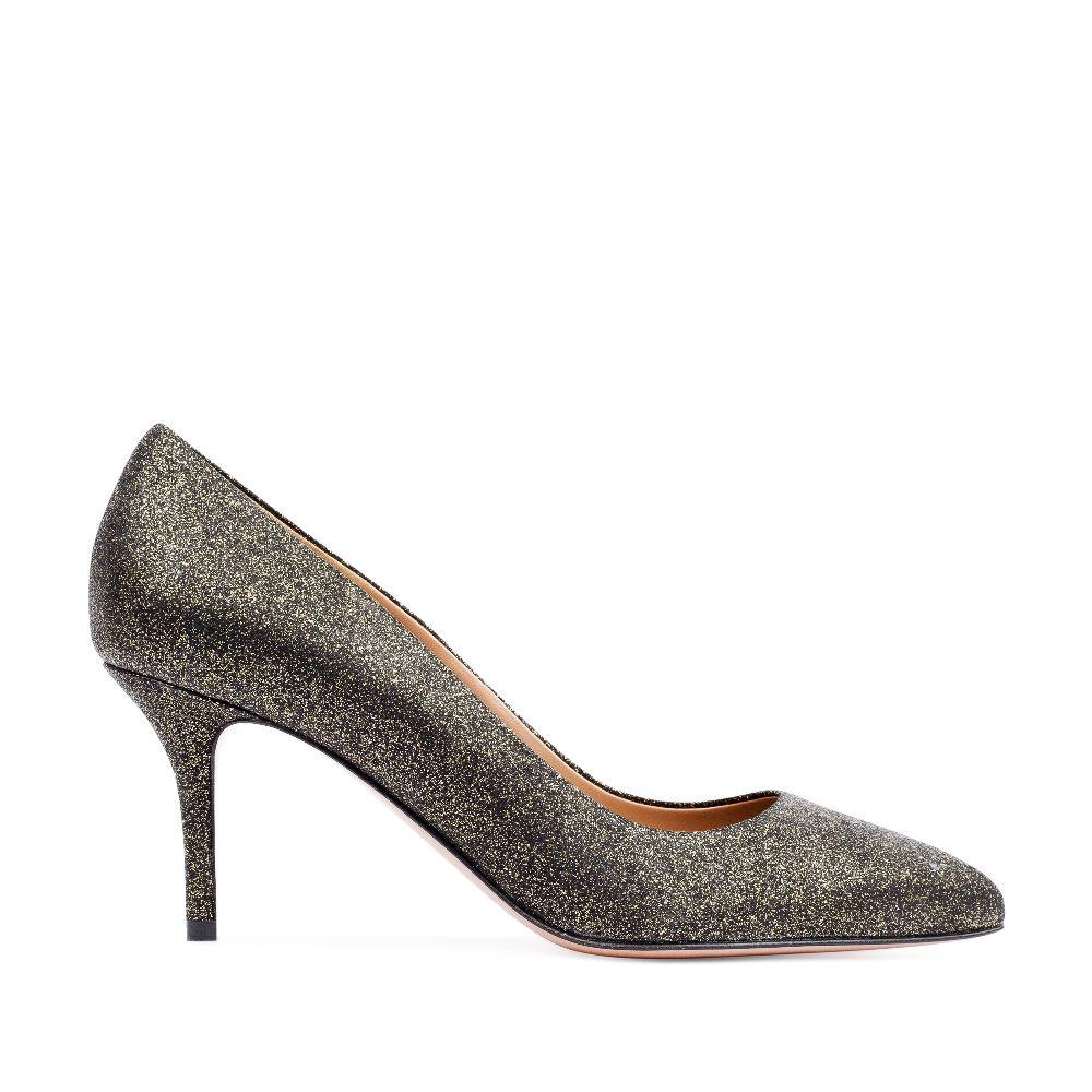 Туфли-лодочки из металлизированной кожи золотистого цвета на среднем каблуке