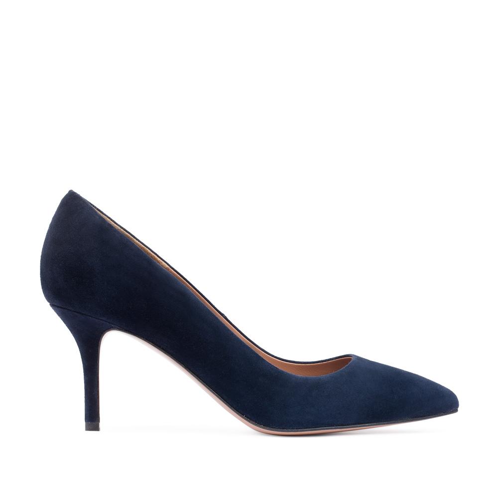 Туфли-лодочки из замши синего цвета на среднем каблуке