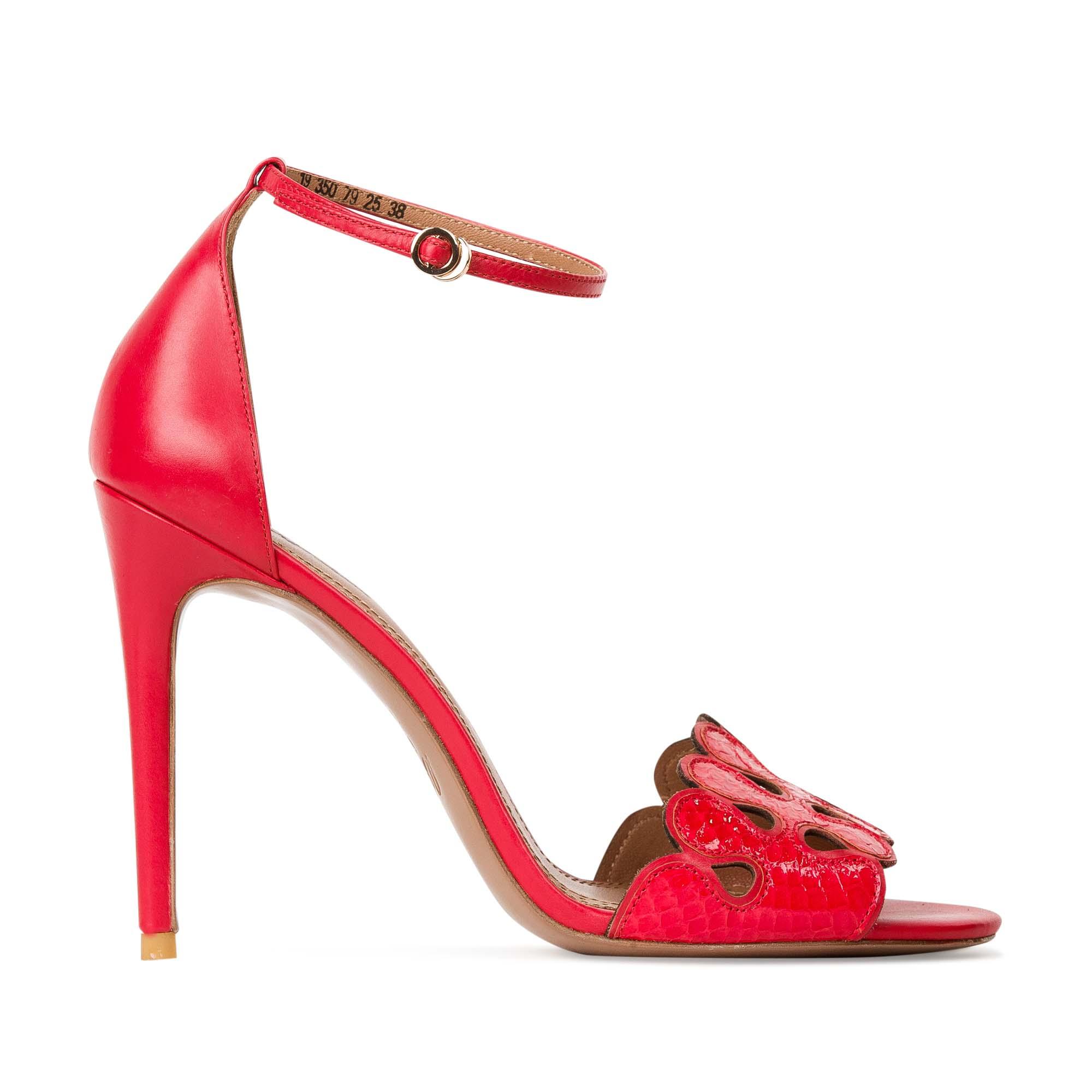 Босоножки из красной кожи со змеиным принтомТуфли женские<br><br>Материал верха: Кожа змеи<br>Материал подкладки: Кожа<br>Материал подошвы: Кожа<br>Цвет: Красный<br>Высота каблука: 10 см<br>Дизайн: Италия<br>Страна производства: Китай<br><br>Высота каблука: 10 см<br>Материал верха: Кожа змеи<br>Материал подкладки: Кожа<br>Цвет: Красный<br>Вес кг: 0.38000000<br>Размер обуви: 39*