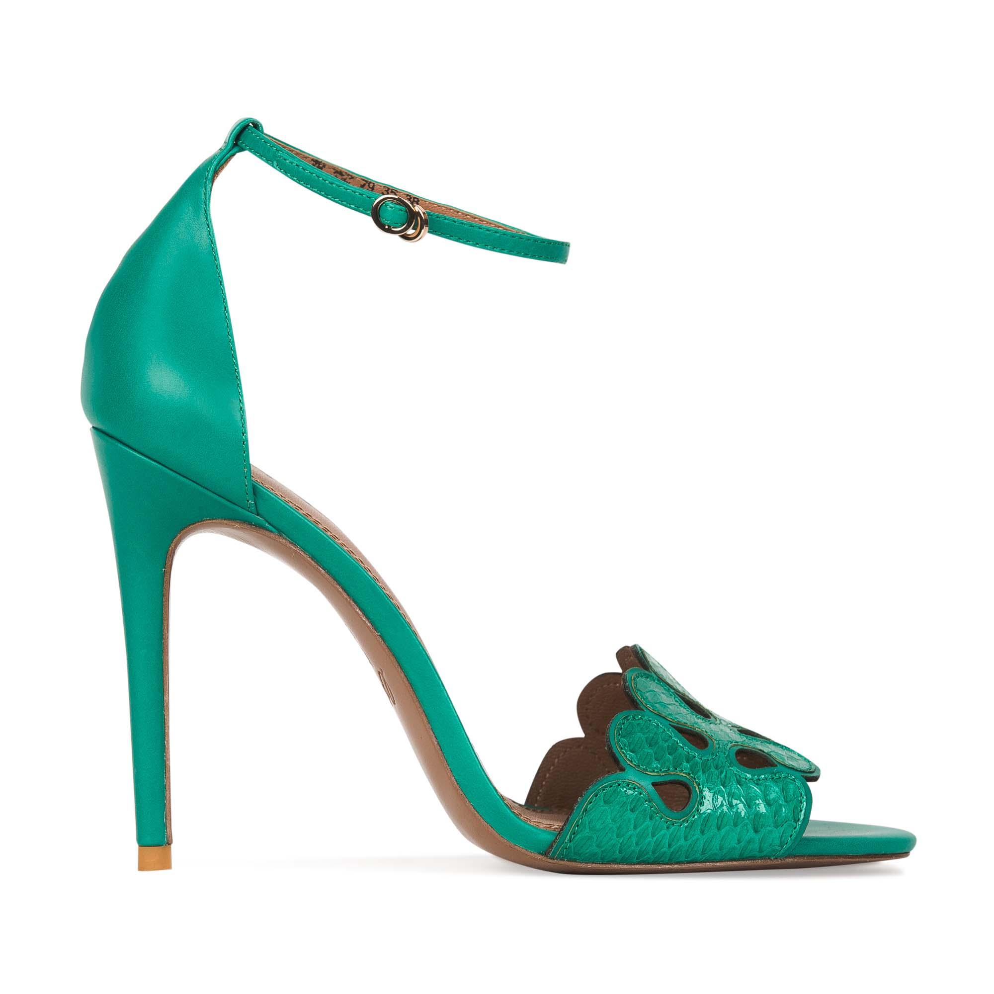 Босоножки из кожи змеи бирюзового цветаТуфли женские<br><br>Материал верха: Кожа змеи<br>Материал подкладки: Кожа<br>Материал подошвы: Кожа<br>Цвет: Зеленый<br>Высота каблука: 10 см<br>Дизайн: Италия<br>Страна производства: Китай<br><br>Высота каблука: 10 см<br>Материал верха: Кожа змеи<br>Материал подкладки: Кожа<br>Цвет: Зеленый<br>Вес кг: 0.38000000<br>Размер обуви: 36*