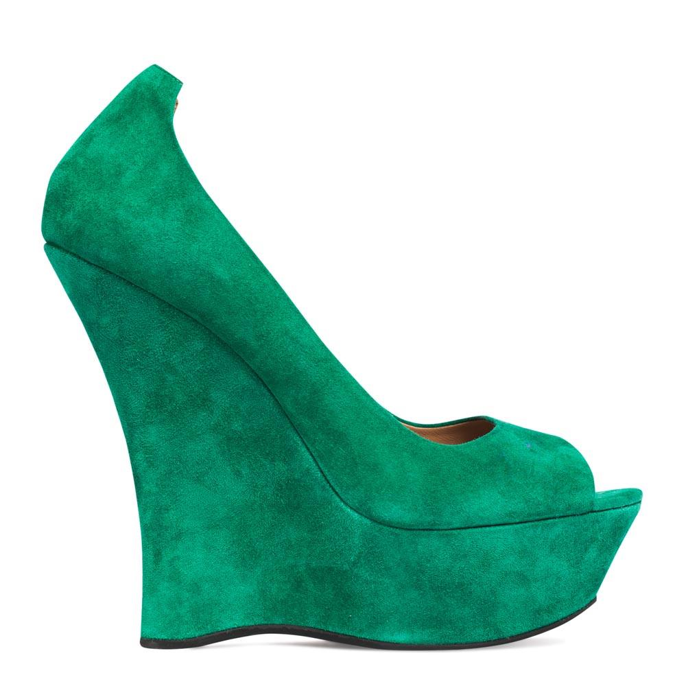 Туфли из замши зеленого цвета на высокой танкеткеТуфли женские<br><br>Материал верха: Замша<br>Материал подкладки: Кожа<br>Материал подошвы: Полиуретан<br>Цвет: Зеленый<br>Высота каблука: 14 см<br>Дизайн: Италия<br>Страна производства: Китай<br><br>Высота каблука: 14 см<br>Материал верха: Замша<br>Материал подкладки: Кожа<br>Цвет: Зеленый<br>Пол: Женский<br>Вес кг: 1.00000000<br>Выберите размер обуви: 40**