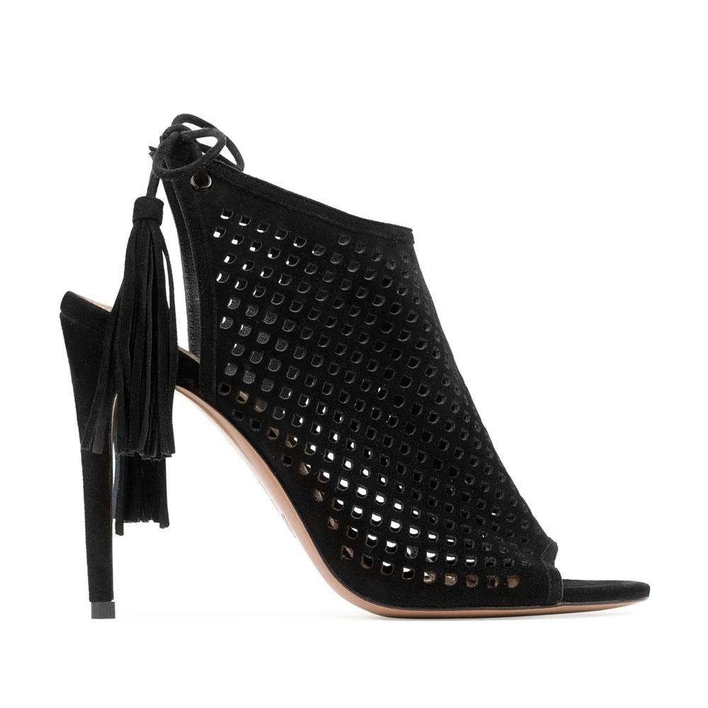 Босоножки черного цвета из перфорированной замши на среднем каблуке