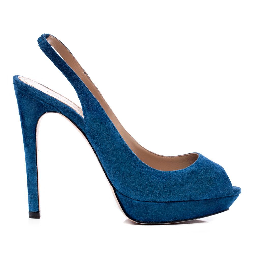 Босоножки из замши синего цветаТуфли женские<br><br>Материал верха: Замша<br>Материал подкладки: Кожа<br>Материал подошвы: Кожа<br>Цвет: Синий<br>Высота каблука: 12 см<br>Дизайн: Италия<br>Страна производства: Китай<br><br>Высота каблука: 12 см<br>Материал верха: Замша<br>Материал подкладки: Кожа<br>Цвет: Синий<br>Пол: Женский<br>Вес кг: 1.00000000<br>Размер: 36.5***