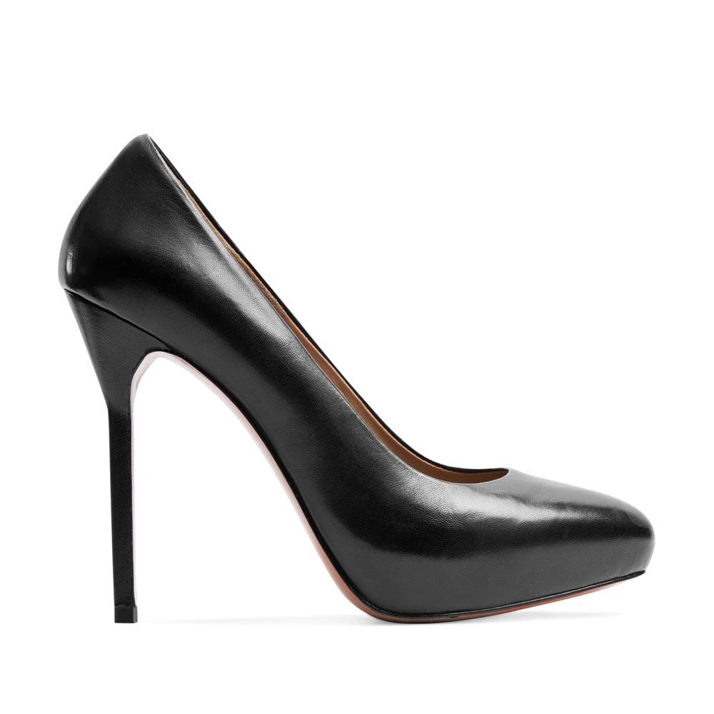 Кожаные туфли черного цвета