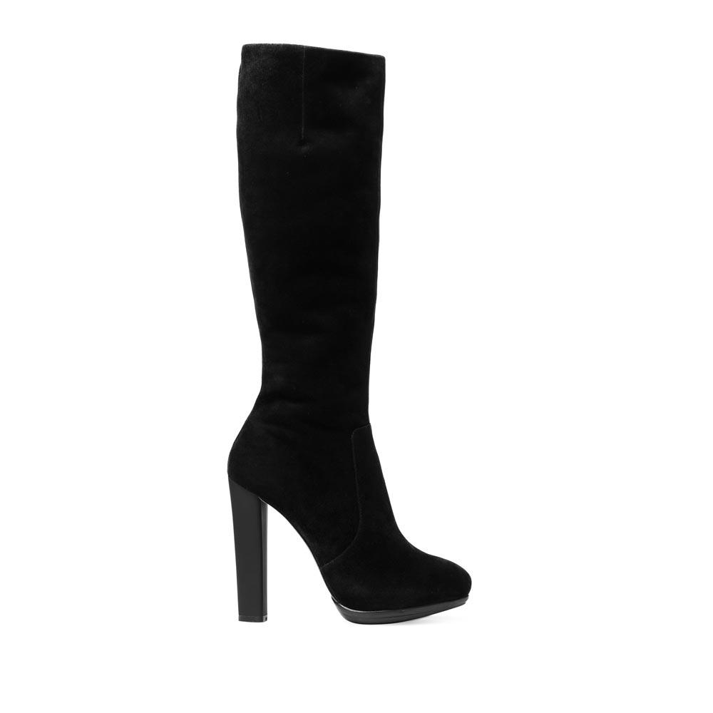 Сапоги из замши черного цвета на устойчивом каблуке с мехомСапоги женские<br><br>Материал верха: Замша<br>Материал подкладки: Мех<br>Материал подошвы: Кожа + Резина<br>Цвет: Черный<br>Высота каблука: 10 см<br>Дизайн: Италия<br>Страна производства: Китай<br><br>Высота каблука: 10 см<br>Материал верха: Замша<br>Материал подкладки: Мех<br>Цвет: Черный<br>Пол: Женский<br>Вес кг: 2.12000000<br>Размер обуви: 36**