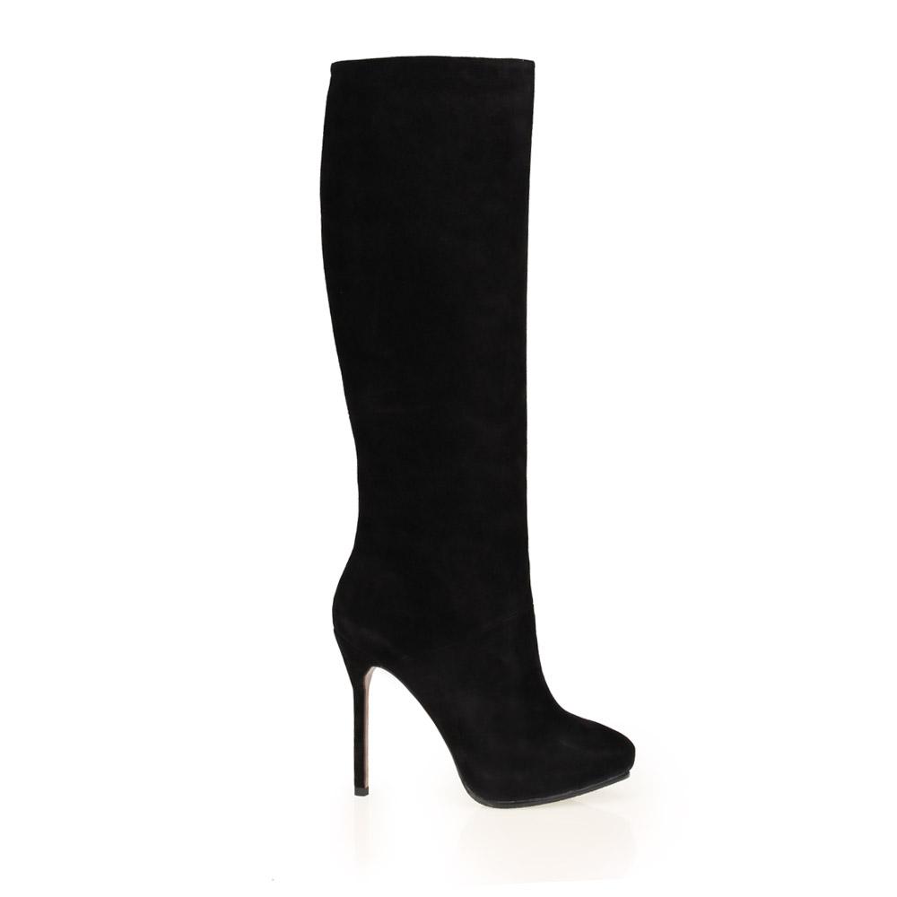Высокие сапоги из замши черного цвета на высоком каблукеСапоги женские<br><br>Материал верха: Замша<br>Материал подкладки: Кожа<br>Материал подошвы: Кожа + Резина<br>Цвет: Черный<br>Высота каблука: 11см<br>Дизайн: Италия<br>Страна производства: Китай<br><br>Высота каблука: 11 см<br>Материал верха: Замша<br>Материал подкладки: Кожа<br>Цвет: Черный<br>Пол: Женский<br>Вес кг: 1.96000000<br>Размер обуви: 40**