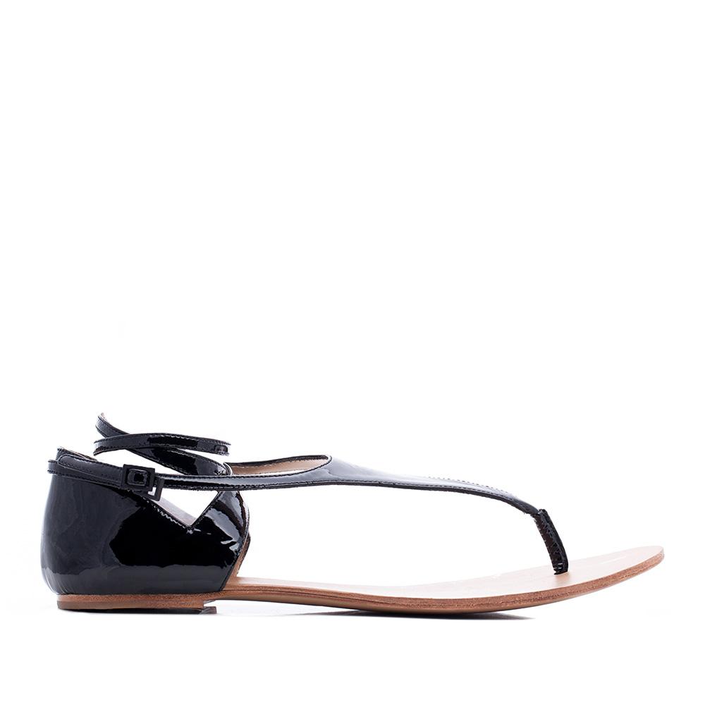 CORSOCOMO Сандалии из лакированной кожи черного цвета с ремешками 19-490-17-55