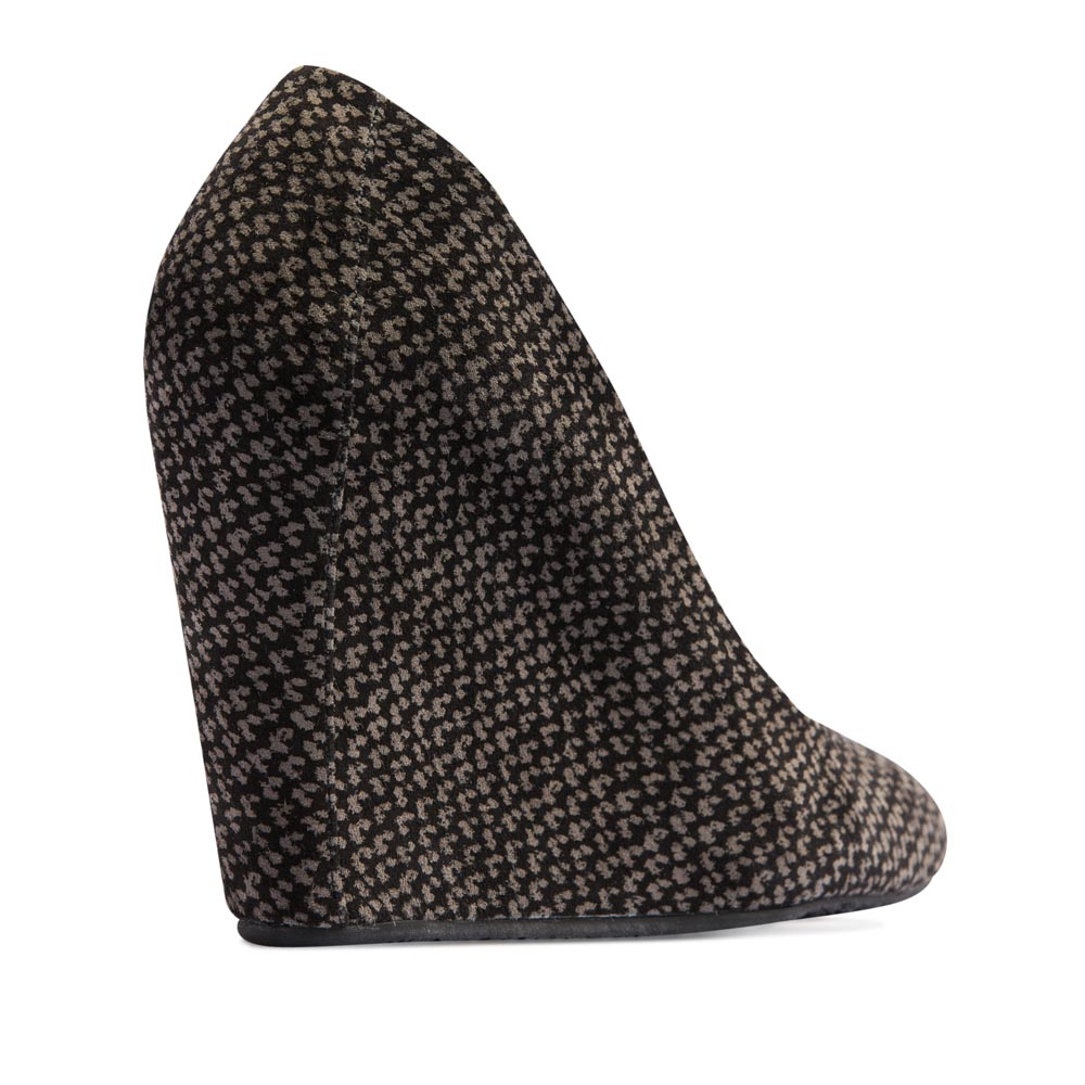 Женские туфли CorsoComo (Корсо Комо) 19-505-5-225 к.п. Туфли жен велюр чёрн.