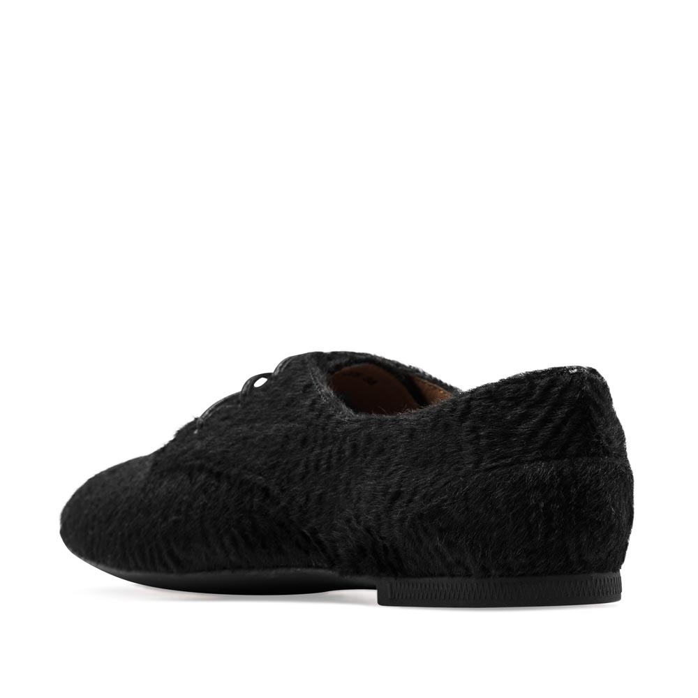 Женские ботинки CorsoComo (Корсо Комо) Полуботинки из меха пони черного цвета