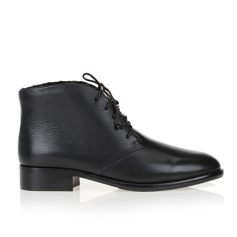 Ботинки-чукка из кожи черного цвета на меху