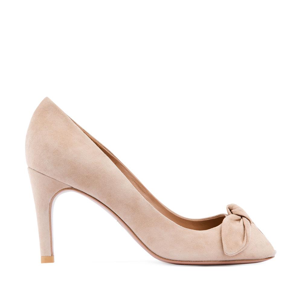 Замшевые туфли сливочного цвета на среднем каблуке с бантомТуфли женские<br><br>Материал верха: Замша<br>Материал подкладки: Кожа<br>Материал подошвы: Кожа<br>Цвет: Бежевый<br>Высота каблука: 8см<br>Дизайн: Италия<br>Страна производства: Китай<br><br>Высота каблука: 8 см<br>Материал верха: Замша<br>Материал подошвы: Кожа<br>Материал подкладки: Кожа<br>Цвет: Бежевый<br>Пол: Женский<br>Вес кг: 1.00000000<br>Размер обуви: 37**