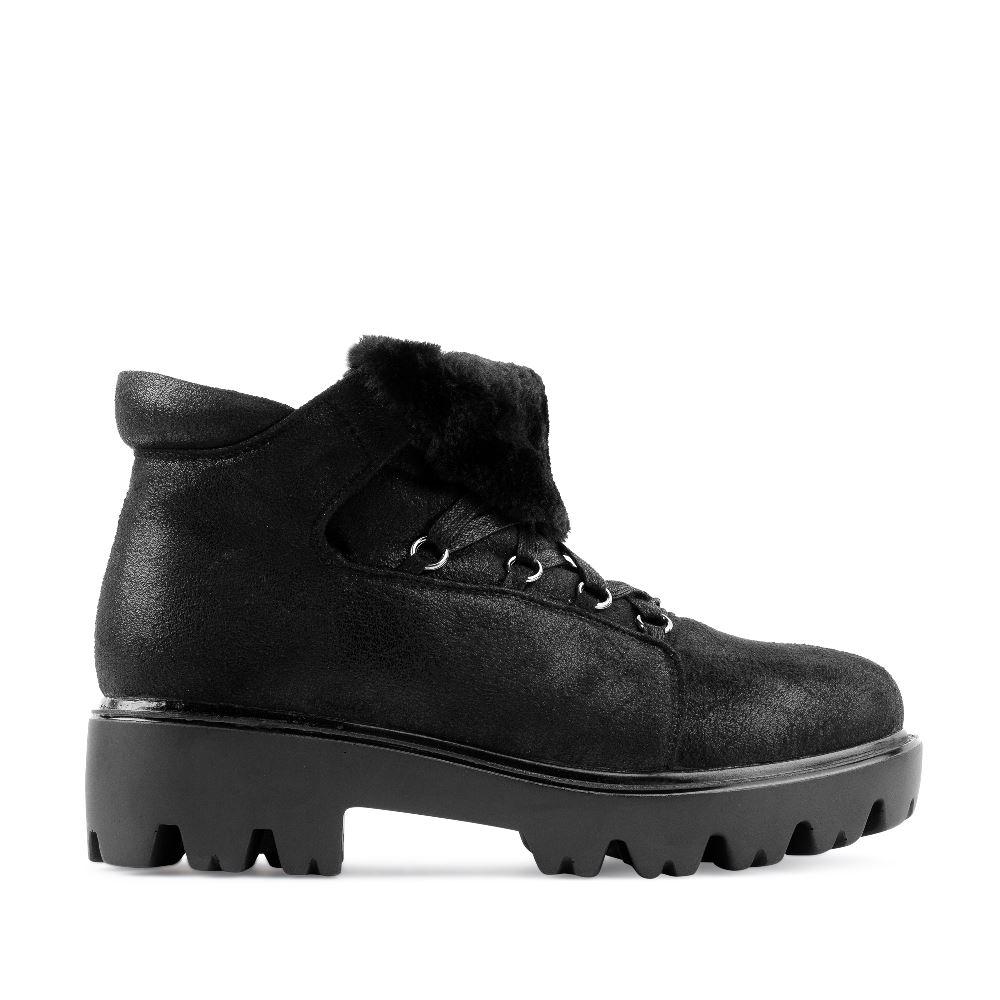 Ботинки из экозамши черного цвета на протекторной подошве