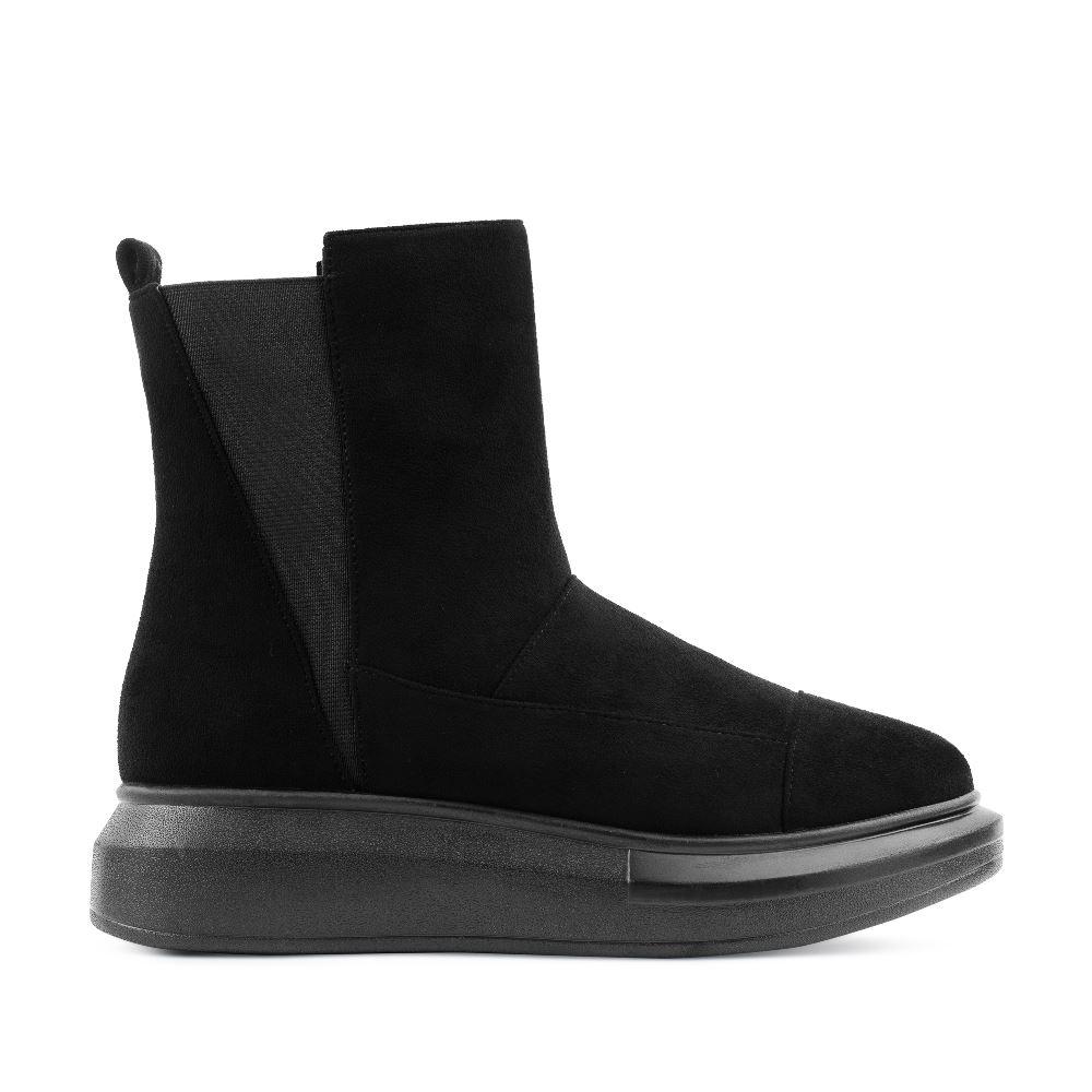 Высокие ботинки из экозамши черного цвета на высокой подошве