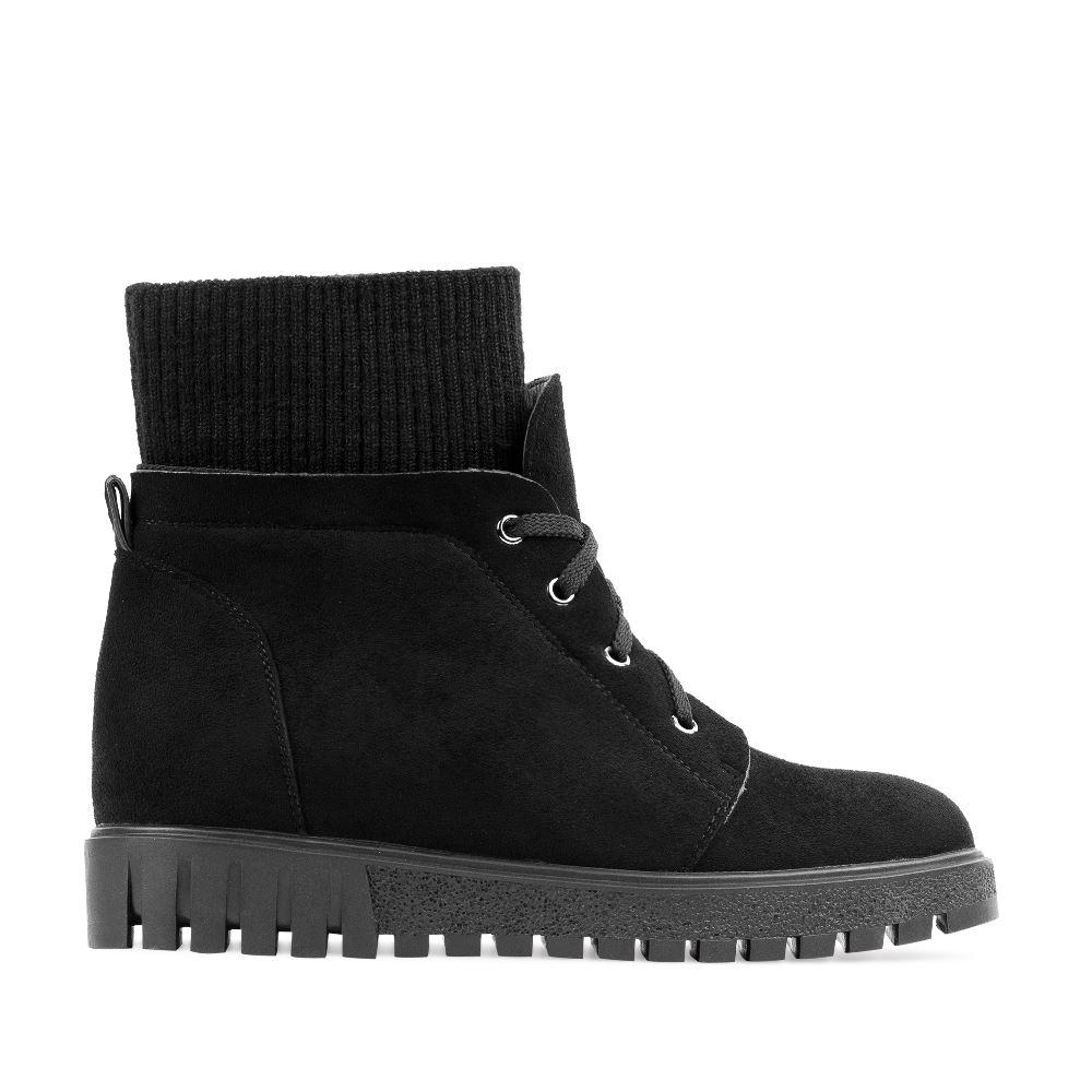 Ботинки из замши черного цвета с текстильной вставкой