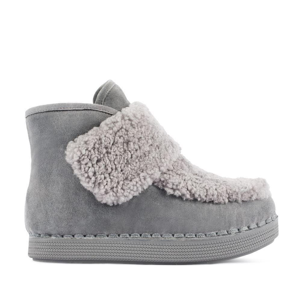 Ботинки из замши серого цвета с мехом