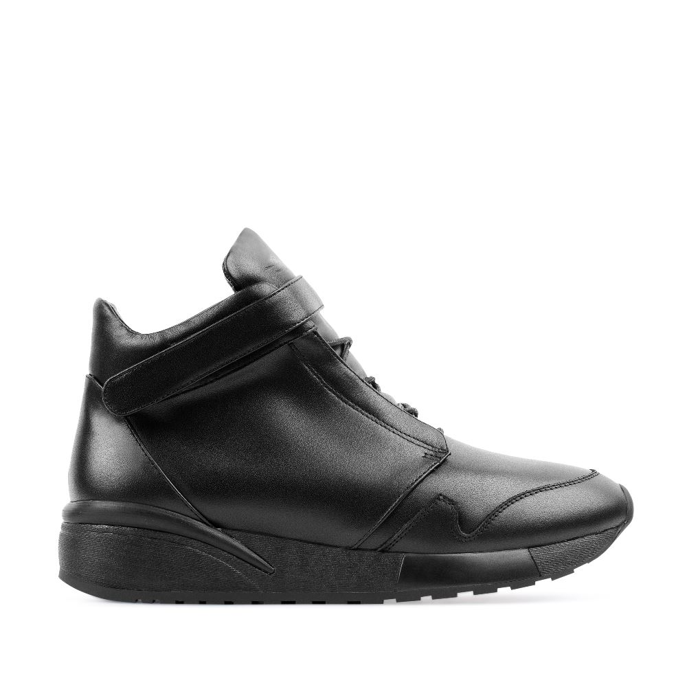 CORSOCOMO Кожаные кроссовки черного цвета 21-8-W-260-2-3-CO-C92