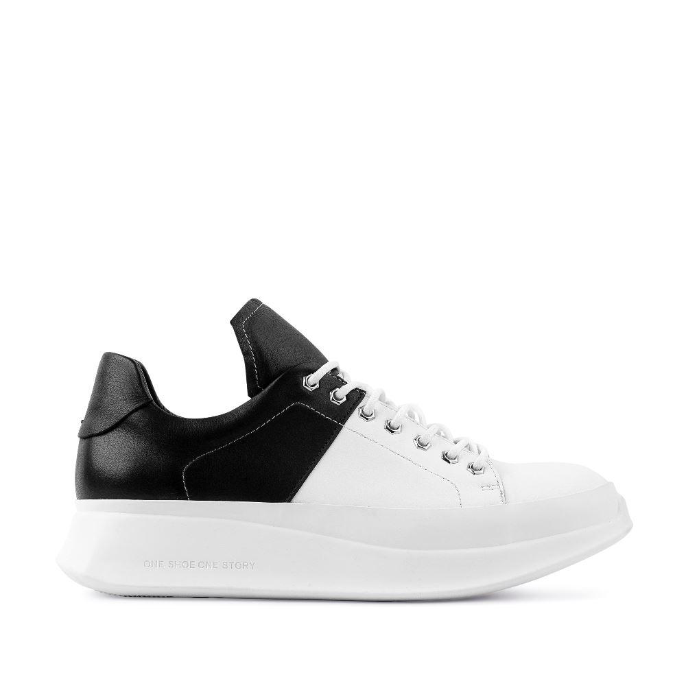 Кроссовки из кожи белого и черного цветов