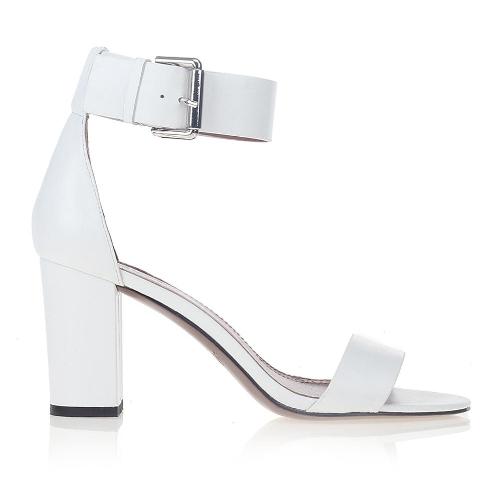 Кожаные босоножки белого цвета с широким ремешкомТуфли женские<br><br>Материал верха: Кожа<br>Материал подкладки: Кожа<br>Материал подошвы: Кожа<br>Цвет: Белый<br>Высота каблука: 8см<br>Дизайн: Италия<br>Страна производства: Китай<br><br>Высота каблука: 8 см<br>Материал верха: Кожа<br>Материал подкладки: Кожа<br>Цвет: Белый<br>Вес кг: 0.43400000<br>Выберите размер обуви: 39