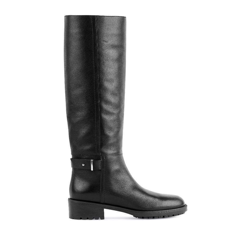 Кожаные сапоги на среднем каблуке черного цвета